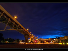Blue Hour Under the Fremont Bridge (David Gn Photography) Tags: nightphotography night oregon portland bridges pdx bluehour hdr fremontbridge photomatix sigma1020mmf35exdchsm canoneosrebelt1i ilovemysigma1020mmwideanglelens