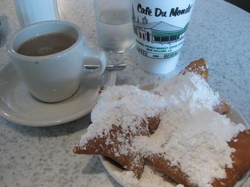Day 1 - Cafe du Monde - Cafe au Lait & Beignets