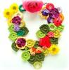 Flores no canteiro, colar de crochê (Lidia Luz) Tags: flower necklace leaf handmade crochet flor jewelry bijoux bijuteria folha colar bijouteria crochê lidialuz