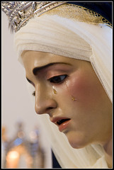 M Stma. de la Concepcin (loreman) Tags: nikond70 huelva concepcion virgen besamano hermandadmisericordia