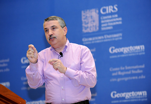 the world is flat thomas friedman. Thomas Friedman