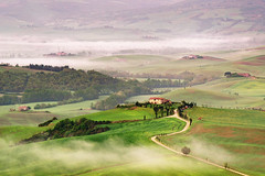 morning fog (Dennis_F) Tags: morning italien italy mist green nature fog zeiss painting landscape spring italia nebel view farm sony country hill landwirtschaft natur hills tuscany cypress pienza grn agriculture fullframe aussicht dslr toscana valdorcia landschaft weite far hilly cypresses bauernhof hof frhling 135mm morgens toskana sicht agriturismo trekker podere hgel likeapainting zypressen 13518 a850 sonyalpha sonydslr vollformat cz135 terapille zeiss135   dslra850 sonya850 sonyalpha850 alpha850 tuscien sony135 sonycz135