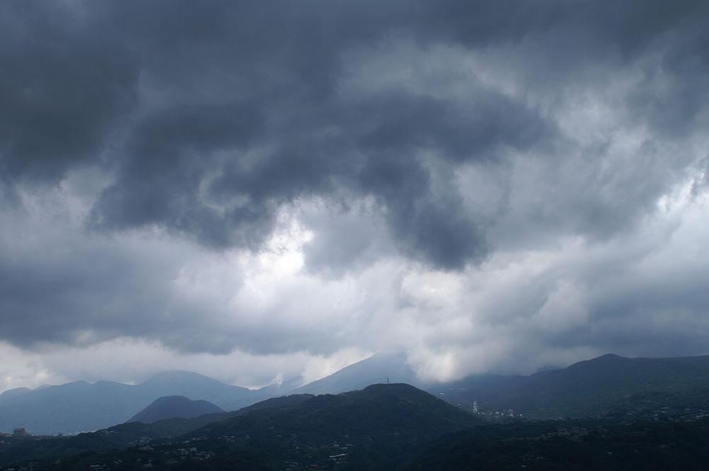大崙頭尾113 黑雲遊走