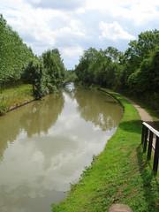 A Quiet Moment On The Canal (bestfor / richard) Tags: uk summer colour nature landscape canal europe buckinghamshire july digitalphoto towpath grandunioncanal otw kartpostal enstantante carlzeissvariotessar vanagram