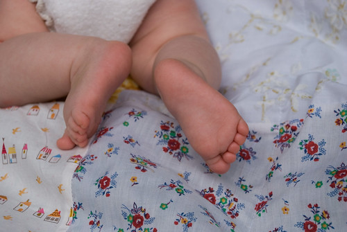 baby toes on blanket