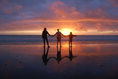 (plot19) Tags: uk family sunset sun wales kids sand nikon britain aberystwyth colourful soe beech borth cardiganbay cardiganshire mywinners flickrdiamond platinumheartaward saariysqualitypictures topcso plot19 peopleenjoyingnature familygetty2010