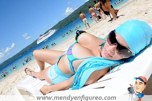 Bellas chicas en Bikini, posan para la lente del paparazzi del figureo 15