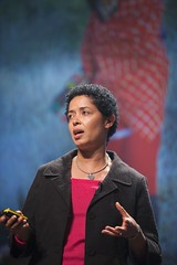 Paula Kahumbu - Pop!Tech 2009 - Camden, ME (poptech) Tags: usa technology unitedstates camden events maine speaker inventor session presentation poptech lecture powerpoint eventphotography slidepresentation poptech09 paulakahumbu poptech2009