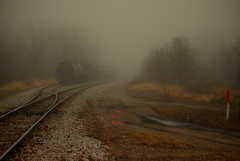 tank cars (It'sGreg) Tags: railroad fog desmoines railroadtracks tankcars betyoudidntknowthat tankcarshavebeeninservicesincethe1870s