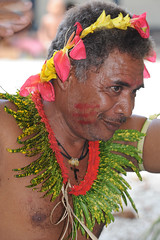 Federated States of Micronesia - Yap State - Fais outer island - Men`s sitting dance (World_Discoverer) Tags: kultur culture cultuur micronesia yap fais traditionaldance micronesie discoveryexpeditions geerthenau traditioneledans micronesien micronesië dancetraditionelle traditiionellertanz