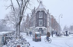 Watching the snowflakes fall in the Jordaan (B℮n) Tags: amsterdam holland netherlands jordaan gezellig hart centrum centre snow winter december neighbourhood anne frank westertoren westerkerk lange jan music bar restaurant bruin café tradition stadswijk tante leen johnny willy alberti snowman frosty xmas seasons greetings mokum cosy lights snowing spirit picturesque bike bicycle sneeuwpop gezelligheid feestdagen winterseizoen grachten brood bezem broom charming cold weather markets birò mango mobility electric car mini brommobiel prinsengracht westerstraat noordermarkt 100faves topf100 200faves topf200