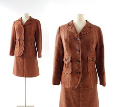 1960s Pendleton orange and navy blue houndstooth wool suit (Small Earth Vintage) Tags: smallearthvintage vintageclothing vintagefashion suit pendleton 1960s 60s mod houndstooth wool orange navyblue skirtsuit