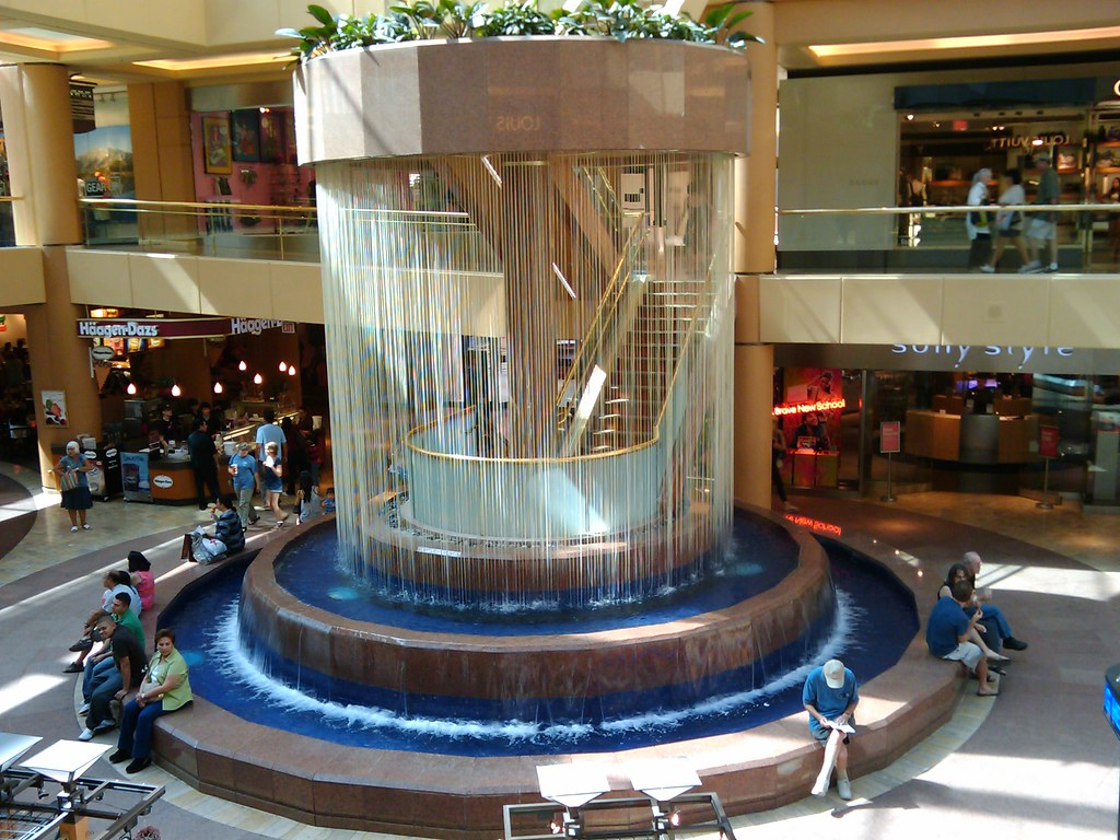 Scottsdale Fashion Square Fountain (Round)