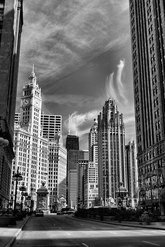 Michigan Avenue, North to the Magnificent Mile (Chicago)
