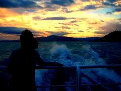 IMG2_0585 (viaggiaresiii) Tags: sea montagne tramonto nuvole mare rosso arancio controluce spruzzi schizzi