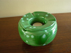 N 22 (Ceramicas Catalina) Tags: chile santiago ceramica verde retro chic diseo regalo cenicero venta choro regalos articulos decoracion esmalte util novedoso regalodematrimonio
