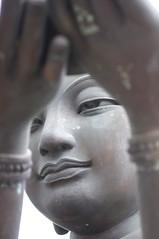 Buddhistic Statue Close up (rjderama) Tags: 85mm nikkor f14d
