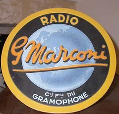 Sigle du gramophone Marconi-r (Geher) Tags: france radio de son musée sound museums orgues yonne enregistrement barbarie cylindres tournedisques stfargeau limonaires magnétophones