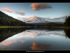 Mount Hood from Trillium Lake (David Gn Photography) Tags: sunset reflection clouds oregon landscape mounthood hdr trilliumlake photomatix 6xp platinumheartaward thisphotorocks flickrestrellas quarzoespecial alemdagqualityonlyclub sigma1020mmf35exdchsm canoneosrebelt1i