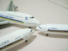 Singapore airlines (BIG top, Leadership, Jubilee) (maplensc) Tags: singapore jubilee boeing fleet airlines sq b747 bigtop b777 leadrship b340 celestar