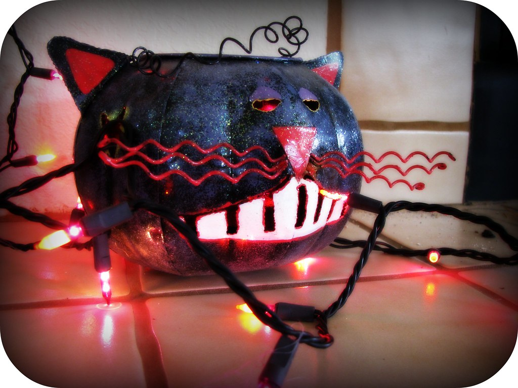 meow-zer