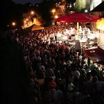Luxembourg: Festival Blues'n Jazz Rallye mi-juillet: chaque année 25.000 fans de musique se pressent dans les faubourgs du Grund et Clausen pour écouter 50 concerts gratuits Les scènes en plein air sont nichées au pied de la forteresse UNESCO, et jouissen