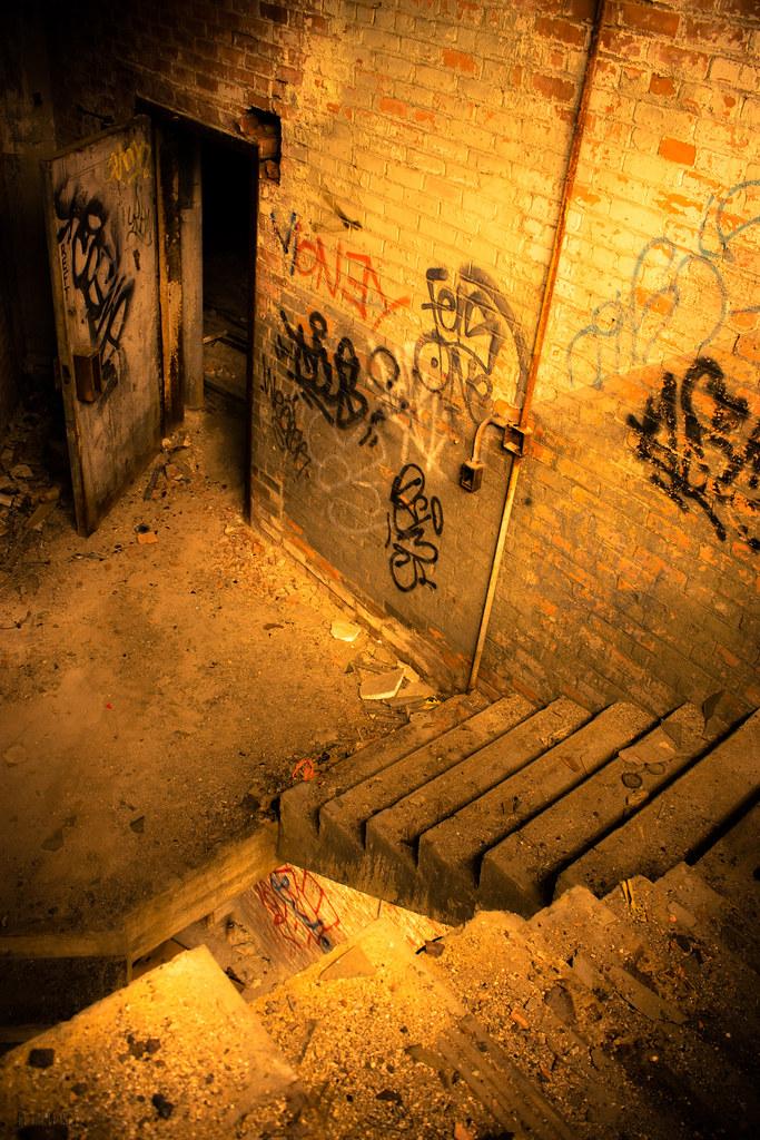 IMAGE: http://farm3.static.flickr.com/2593/4129015089_32b3db900e_b.jpg