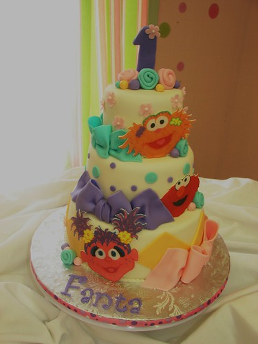 Fanta's Sesame Street Cake - a photo on Flickriver