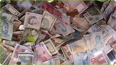 Stash That International Cash, Baby! (Photo: blatant world, flickr)