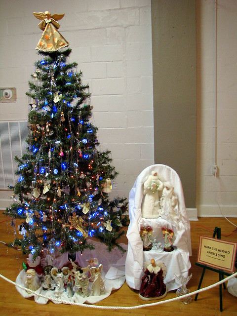 Trees of Christmas 13 - Hark the Herald Angels Sing