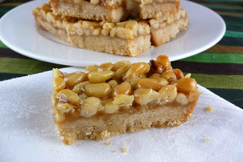 Pine Nut, Caramel & Sea Salt Shortbread Bars Recipe