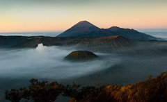 0182 A ring of clouds--Mt Bromo , Indonesia (ngchongkin) Tags: indonesia dawn volcano niceshot photos shiningstar nationalgeographic seaofclouds mtbromo nikond200 landscapeportfolio elitegroup anythingyoulike landscapebeauty peaceaward keepyoureyesopen stunningimage flickridol goldstaraward thebestshot discoveryphotos nikonflickraward angelawards ilikethenature visipix nikonflickrawardgold freedomhawkaward andromeda50 contactaward ablackrose selectbestexcellence sapphireawards sbfmasterpiece flickrsgottalent flickrssuperstartalent bestpeopleschoice flickraward5 mygearandme mygearandmepremium mygearandmebronze thesilktouch bestimagesever silverflickraward simplyyourbestphoto platinumplanetevo fabulousplanetevo knackigbunt photographyforrecreationgoldaward photographyforrecreationemeraldaward photographyforrecreationsilveraward photographyforrecreationbronzeaward photographyforrecreationsapphireaward photographyforrecreationdiamondaward vivalavidalevel1