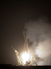 Expedition 22 Soyuz TMA-17 Launch (200912210003HQ)