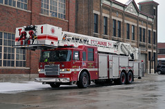 Milwaukee Fire Department Truck 1 (MIDEXJET (Thank you for over 2 million views!)) Tags: usa firetruck milwaukee pierce wi laddertruck mfd milwaukeefiredepartment pierceladdertruck