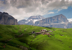 Il rifugio Friedrich August (Explore 14-5-11) (cesco.pb) Tags: italy alps italia alpi montagna sella montain trentino dolomites dolomiti valdifassa naturepoetry colorphotoaward