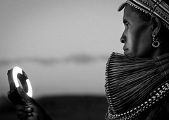 Rendille tribe woman with ringflash - Kenya (Eric Lafforgue) Tags: africa kenya culture tribal tribes afrika tradition tribe ethnic tribo afrique ethnology tribu qunia 6766 lafforgue ethnie  qunia    kea   a
