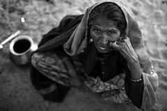 © Julien Barbier (Julien Barbier Photography) Tags: inde india rajasthan pushkar woman portrait face bokeh noiretblanc blackandwhite