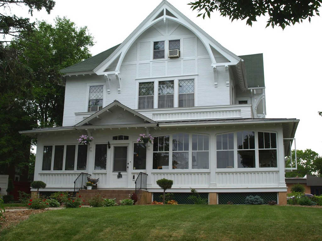 113 Bohemian Inn