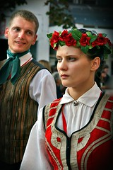 Latvian Beauty (Tanjica Perovic) Tags: portrait people girl beautiful festival photography couple folkart fotograf photographer midsummer blueeyes traditional folklore fair latvia event tradition beautifulpeople reportage ensamble traditonal fairness фотограф pirot srpski classicbeauty sigma1770mm fotografija српски canoneos400d northernbeauty фотографија girlwithblueeyes latviannationalcostume rosewreath flowergirlhairwreath latvianfolkloregroupinnationalcostumes тањицаперовић tanjicaperovicphotography medjunarodnifestivalfolklorapirotsrbija internationalfolklorefestivalpirotserbia folkloredanceensamble међународнифолклорнифестивалпирот