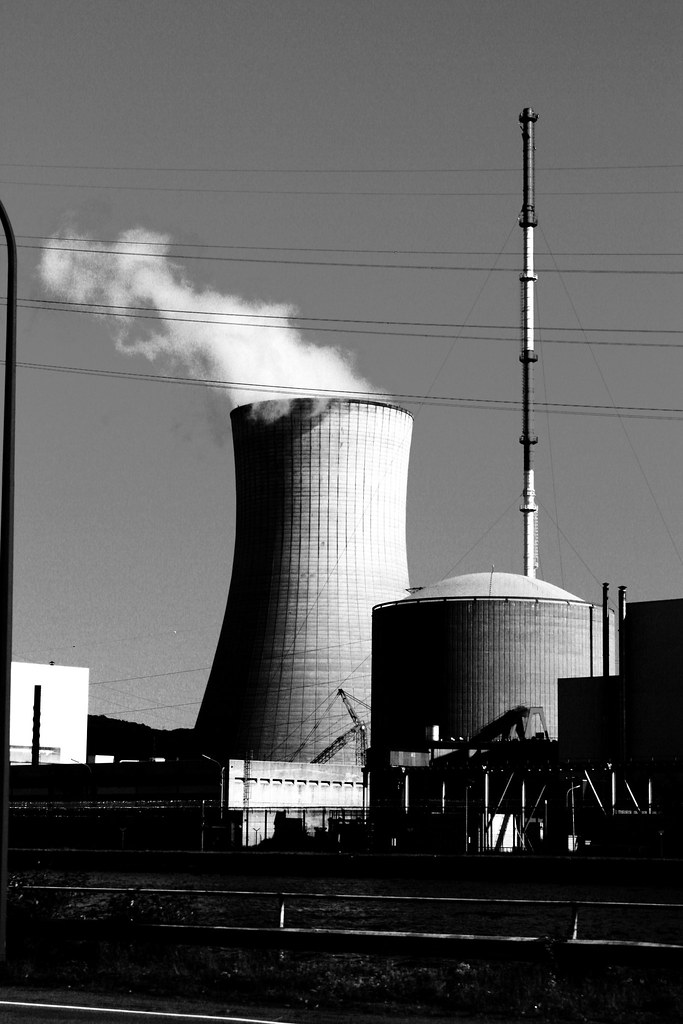 """""""Entrer au cœur du réacteur, c'était ça mon travail"""" Témoignage d'un gitan du nucléaire"""