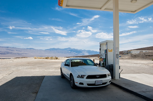 gas station by sausyn, on Flickr