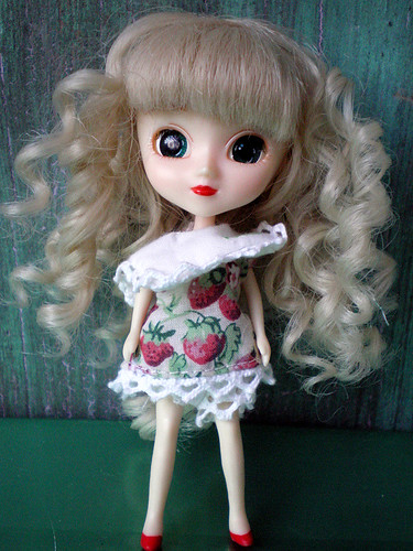 "Little Pullip, ""Little Berry"""