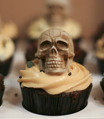 Black and Tan Cupcake ( Just me... ) Tags: black skull chocolate tan evil cupcake guiness bassale blackandtan