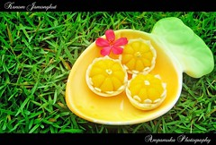 Kanom Jamongkut /  (AmpamukA) Tags: food green dessert thailand sweet chief palace thai crown sweety  kanom    ampamuka jamongkut