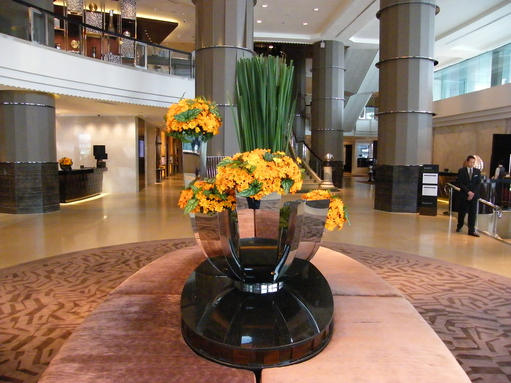 The Intercontinental Hotel Bangkok - July 2009 - Just emerged from a superb renovation programme! - Modernity and classic elements at this superb 5 star deluxe hotel! Calming and a joy!