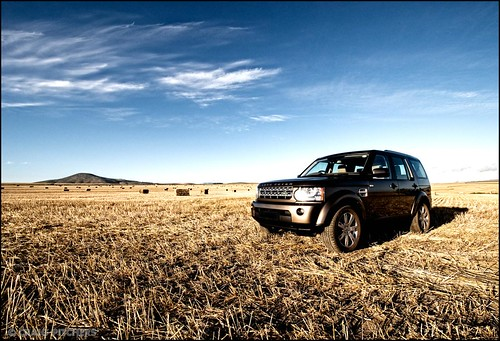 The other Side - Land Rover Discovery 4