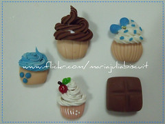 Cups (Alane • maria julia biscuit) Tags: