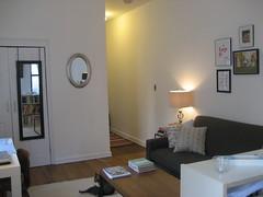 IMG_4320 (flaschenpostpics) Tags: nyc myfirstapartment manhattanapartment apartmenttherapyny uppereastsidestudio