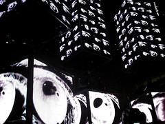 EYES (Martina Caruso) Tags: music torino photography photo concert foto arte shot stage report pit muse sound musica evento fotografia caruso liveshot martina resistance freelance bellamy concerti palco scatti artisti musicisti architetto palaisozaki 04122009 mcelectra mcelectraaltervistaorg