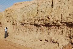 DSC_0152 (moh_anna) Tags: trip field university king dr engineering east geology middle ramadan khalid ramadhan fahad stratigraphy petroleum sedimentology qasim qassim kfupm alqasim alqassim